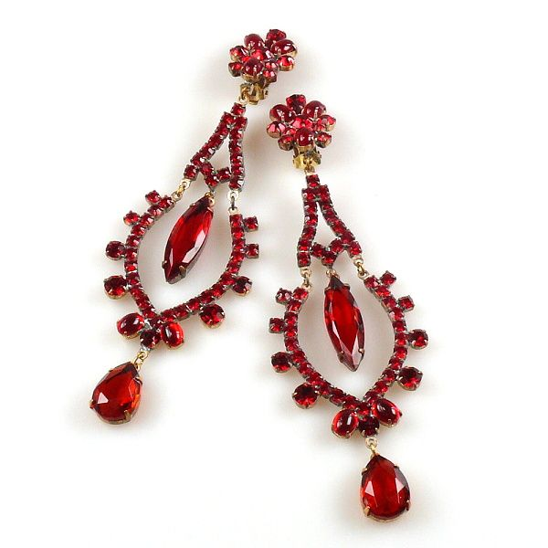 Dangling Earclip RED